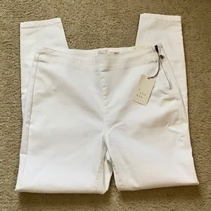 NWT a new day White Stretch Skinny Jeans Sz 12